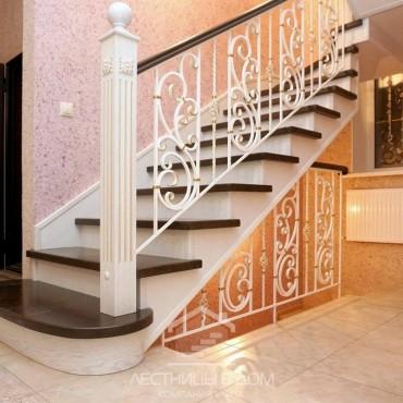 Лестница с кованым ограждением на металлокаркасе, г. Павловский Посад