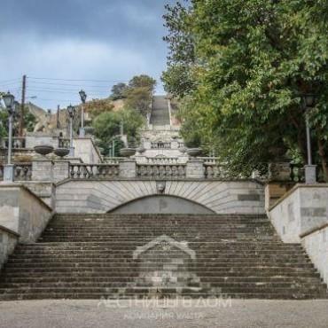 Известна дата окончания реставрации Митридатской лестницы
