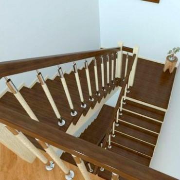 Обшивка бетонной лестницы со стойками дерево-нержавейка