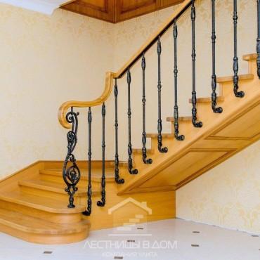 Лестница c литыми балясинами бокового крепления, Малая Дубна