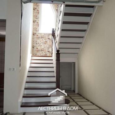 Лестница с комбинированной покраской в г. Москва и Московская область