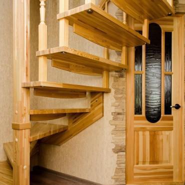 Подвесная лестница на больцах, г.Москва