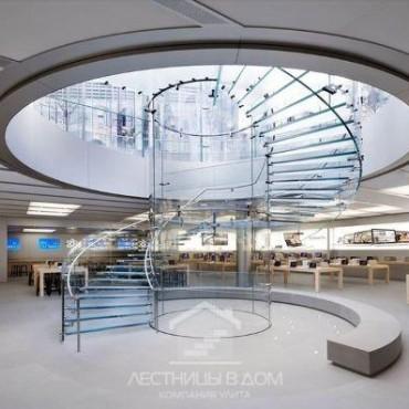 Зеркальная винтовая лестница: в знаменитом магазине Apple в Нью-Йорке закончили реконструкцию