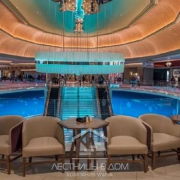 Удивительная стеклянная лестница Hard Rock Hotel & Casino Atlantic City